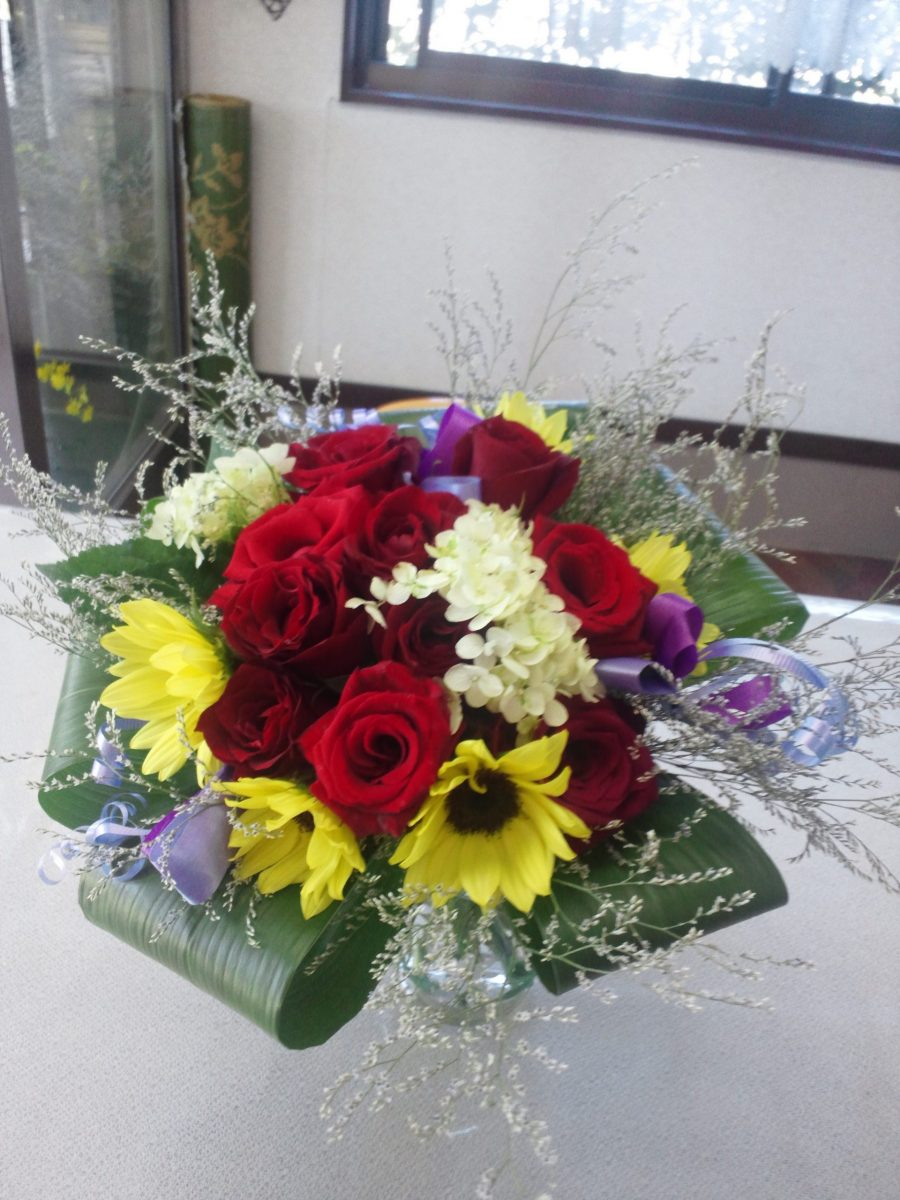 同じ花材でデザイン